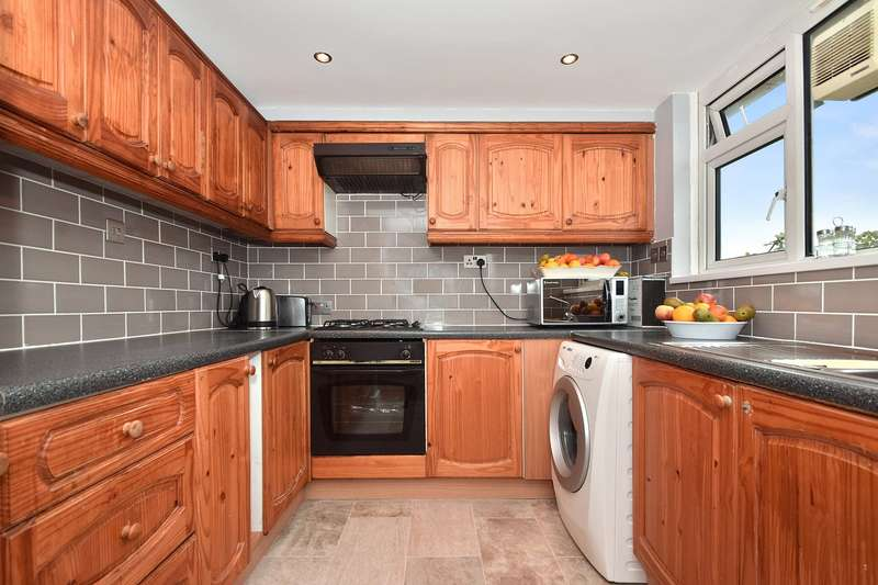 4 Bedrooms Flat for sale in Golborne Gardens, Hazlewood Crescent, London, W10