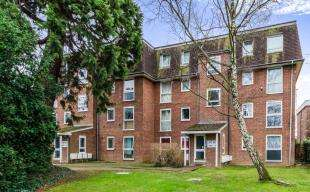 2 Bedrooms Flat for sale in All Saints Road, Sutton, Surrey, Greater London
