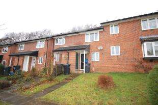 2 Bedrooms Terraced House for sale in Barnett Way, Uckfield, East Sussex