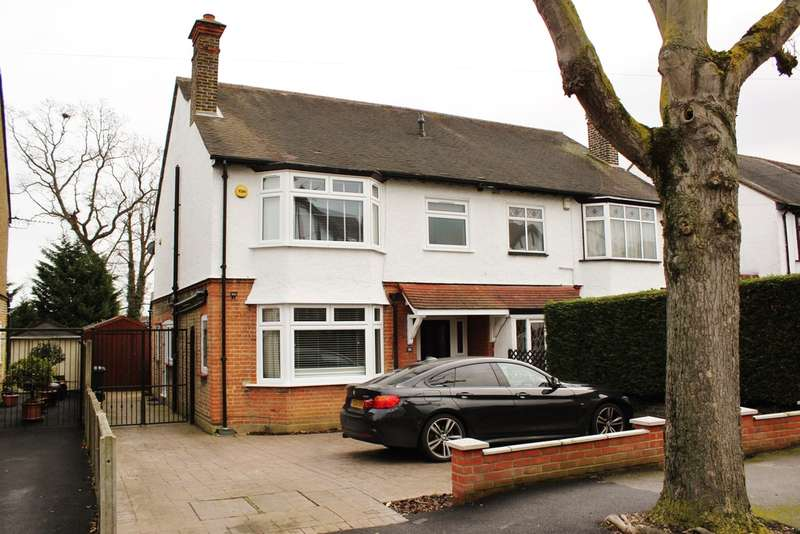3 Bedrooms Semi Detached House for sale in Kings Avenue, Woodford Green