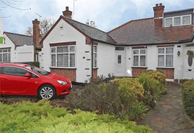 2 Bedrooms Semi Detached Bungalow for sale in Boldmere Road, Pinner, Greater London