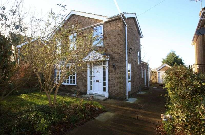 3 Bedrooms Detached House for sale in Augusta Street, Grimsby