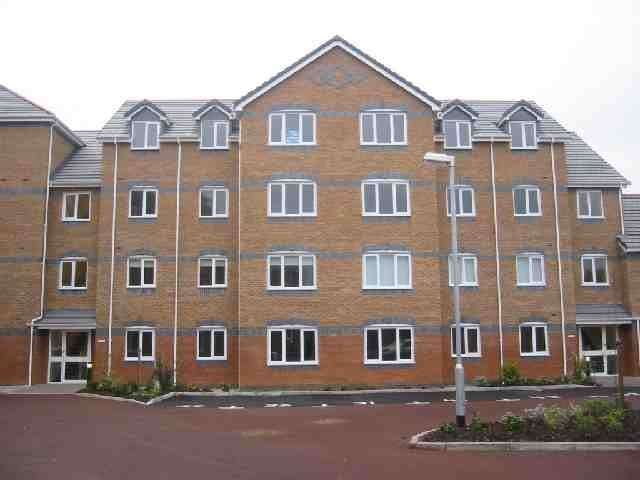2 Bedrooms Flat for sale in Knightswood Court, Mossley Hill