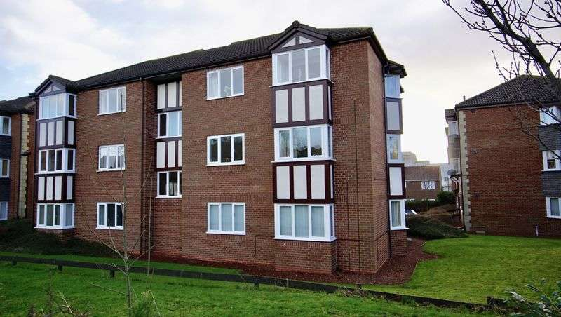 2 Bedrooms Flat for sale in ALLINGHAM COURT Victoria Glade