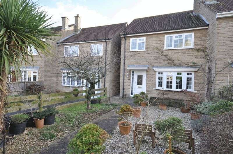 3 Bedrooms Semi Detached House for sale in Georgian Court, Frome