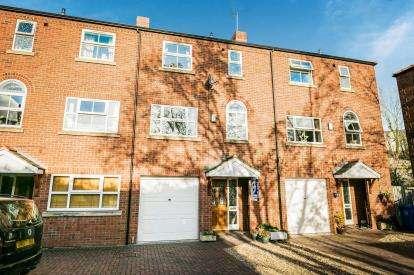 3 Bedrooms House for sale in Little Street, Ruabon, Wrexham, Wrecsam, LL14
