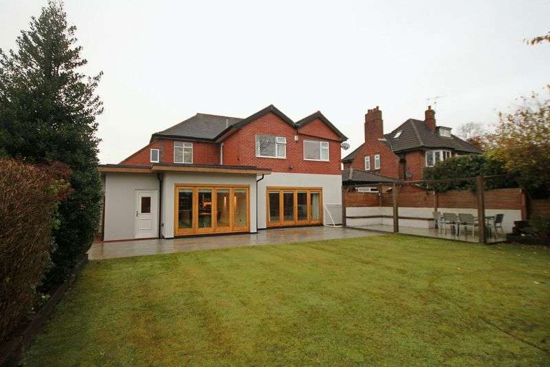 5 Bedrooms Detached House for sale in Whitmore Road, Newcastle