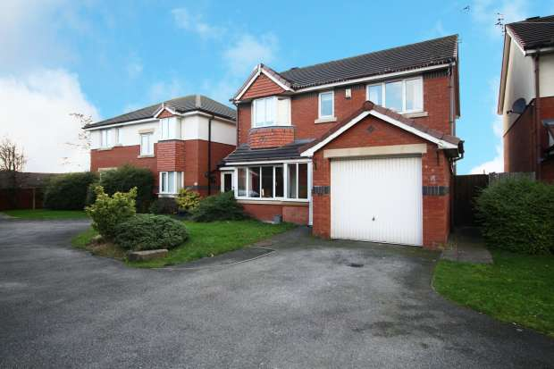 4 Bedrooms Detached House for sale in Claytongate, Blackpool, Lancashire, FY4 5FL