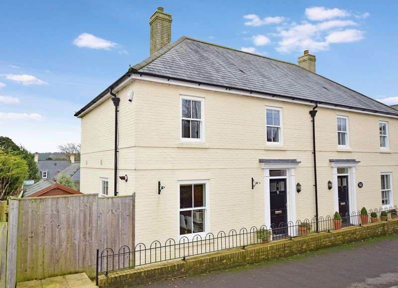 3 Bedrooms Semi Detached House for sale in Sherborne