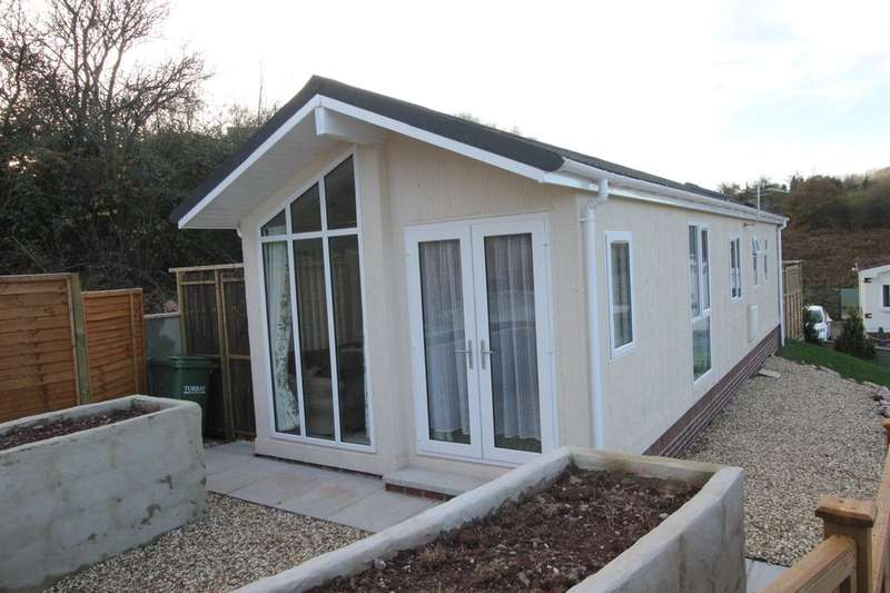2 Bedrooms Mobile Home for sale in Fairlawns Park, Grange Road, Paignton