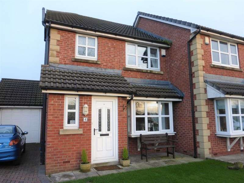 3 Bedrooms Semi Detached House for sale in Edenfield, Much Hoole, Preston