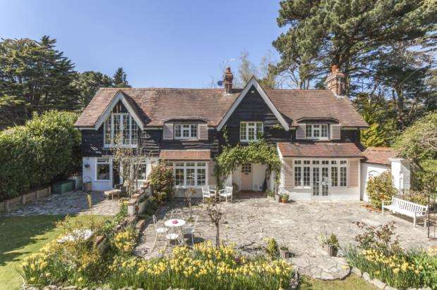 3 Bedrooms House for sale in Branksome Park, Poole, Dorset, BH13