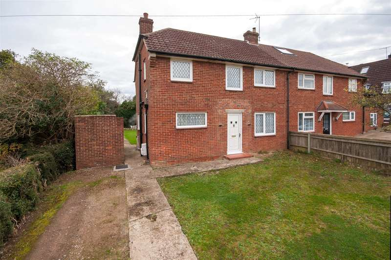3 Bedrooms Semi Detached House for sale in Rookery Way, Lower Kingswood, Tadworth, Surrey, KT20