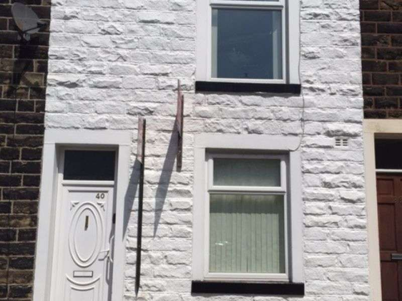 2 Bedrooms Terraced House for sale in Newport Street, Nelson, Lancashire. BB9