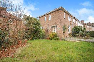 3 Bedrooms Semi Detached House for sale in Detling Road, Bromley, .
