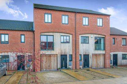 4 Bedrooms Terraced House for sale in Norwich, Norfolk
