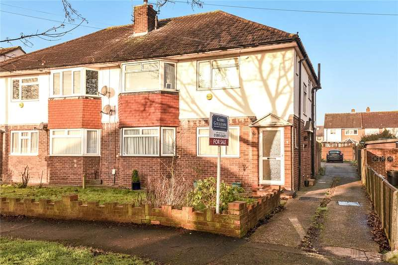 2 Bedrooms Maisonette Flat for sale in Cedar Avenue, Ruislip, Middlesex, HA4