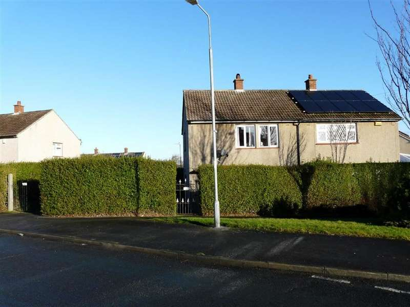 3 Bedrooms Property for sale in Balmoral Avenue, Crosland Moor, HUDDERSFIELD, West Yorkshire, HD4