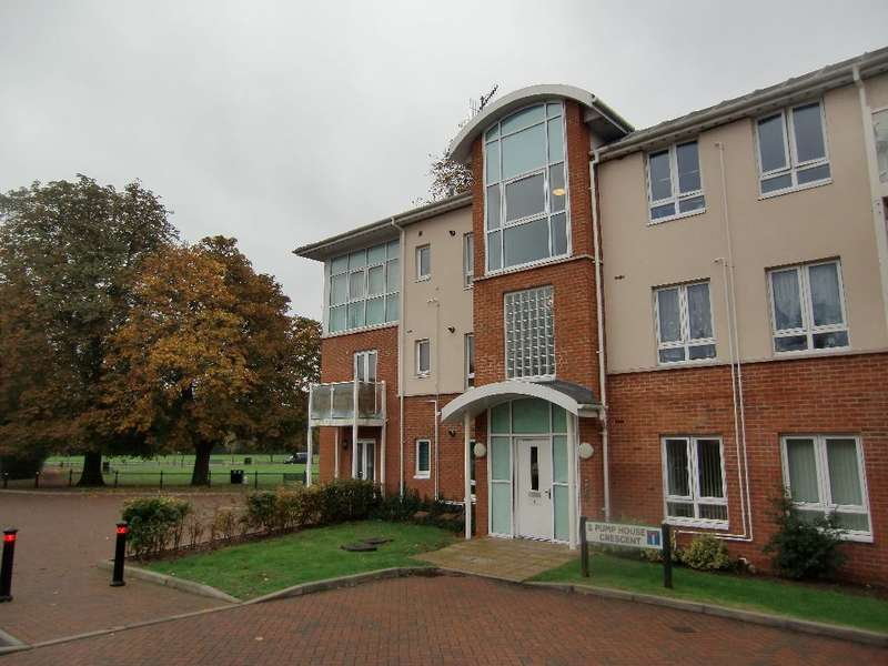 2 Bedrooms Property for sale in Pump House Crescent, Watford, Herts
