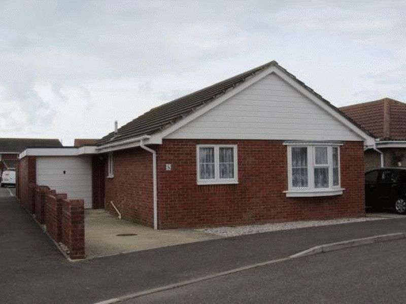 2 Bedrooms Detached Bungalow for sale in Honeysuckle Lane, Selsey