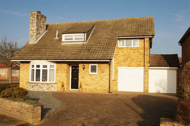 4 Bedrooms Detached House for sale in Reynolds Avenue, Prettygate, Colchester