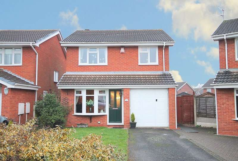 3 Bedrooms Detached House for sale in Fircroft, Kingsbury, Tamworth, B78 2JU
