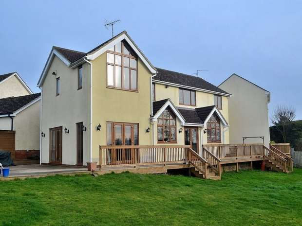 5 Bedrooms Detached House for sale in Stebbing, Essex