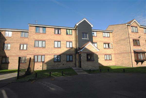 1 Bedroom Apartment Flat for sale in Redford Close, Feltham