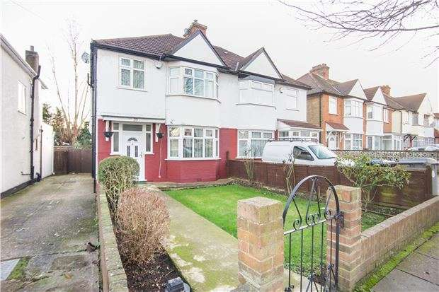 3 Bedrooms Semi Detached House for sale in Deanscroft Avenue, KINGSBURY, NW9 8EP