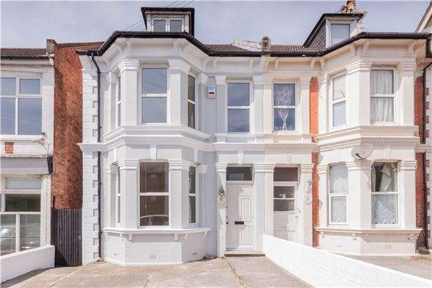 5 Bedrooms Semi Detached House for sale in London Road, BEXHILL-ON-SEA, East Sussex, TN39 3JY