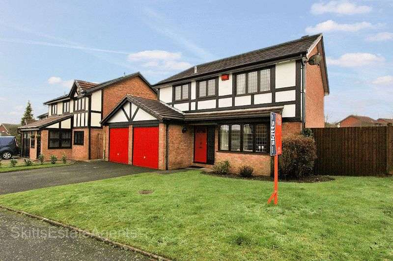 4 Bedrooms Detached House for sale in Ganton Road, Bloxwich Walsall