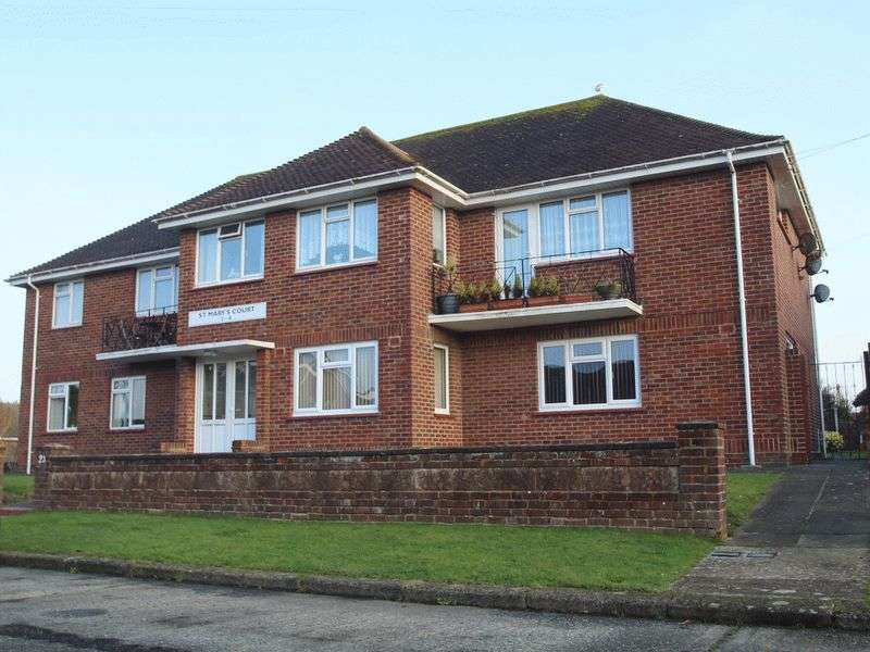 2 Bedrooms Flat for sale in St. Marys Close, Littlehampton