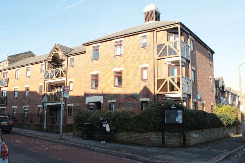 1 Bedroom Flat for sale in 35 Station Road, Sutton