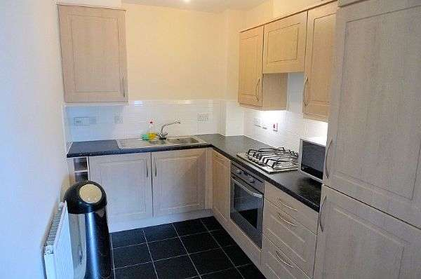 2 Bedrooms Flat for sale in Apartment 1, 16 Stryd y Wennol, Ruthin