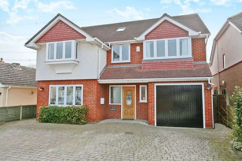 6 Bedrooms Detached House for sale in Dobb's Weir, Hoddesdon, Hertfordshire