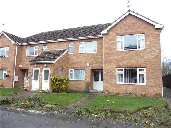 2 Bedrooms Apartment Flat for sale in EATON COURT, GRIMSBY