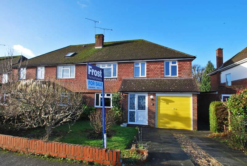 4 Bedrooms Semi Detached House for sale in The Chase, Penn, HP10