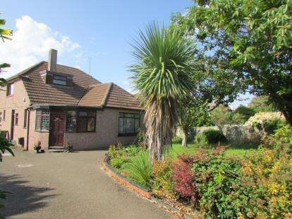 5 Bedrooms Bungalow for sale in Newquay, Cornwall