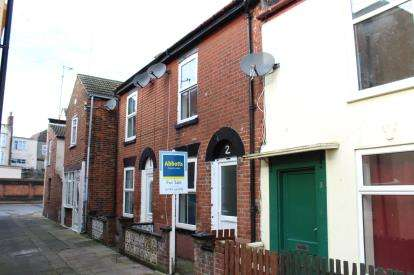 2 Bedrooms Terraced House for sale in St. Peters Plain, Great Yarmouth, Norfolk