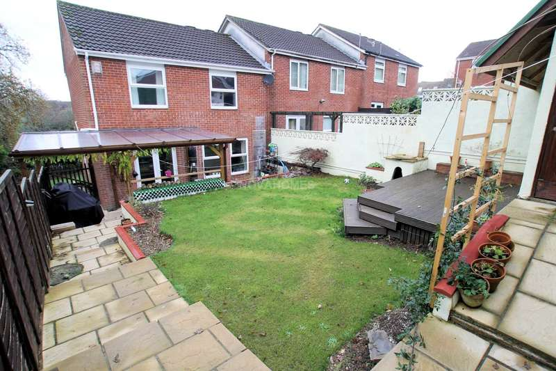 3 Bedrooms End Of Terrace House for sale in Patterdale Walk, Thornbury, PL6 8XB