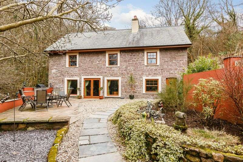 4 Bedrooms Detached House for sale in Clydach, Abergavenny