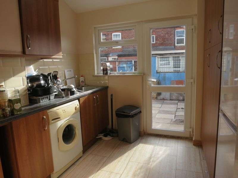 5 Bedrooms Terraced House for rent in Claremont Road,