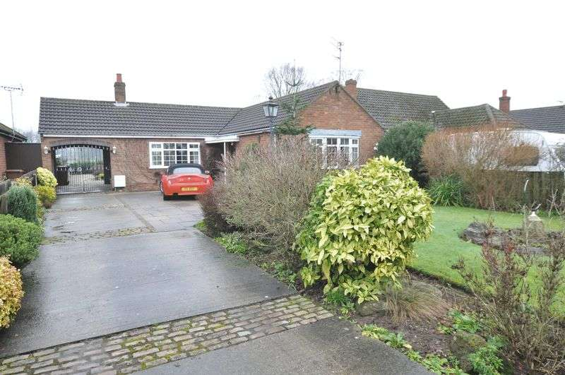 3 Bedrooms Detached Bungalow for sale in Anslow Lane, Rolleston on Dove