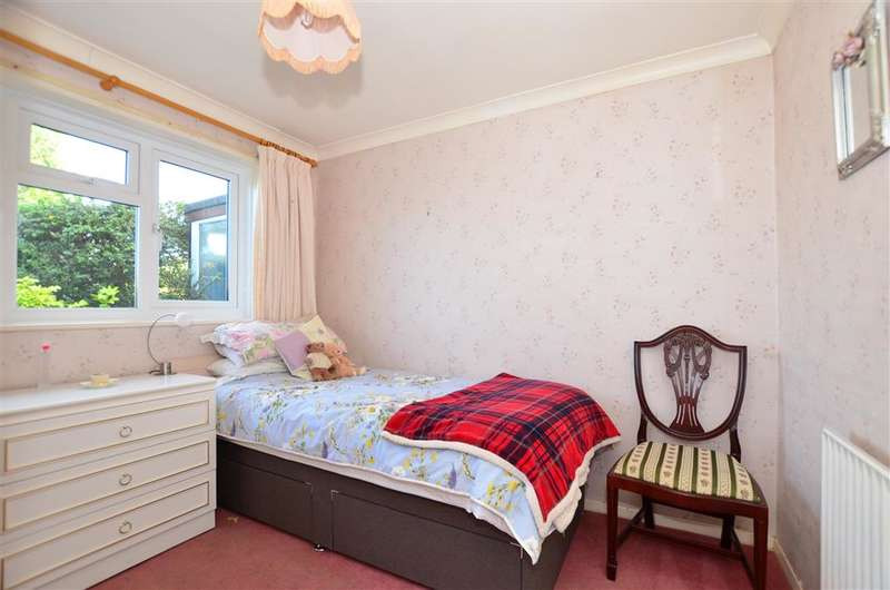 2 Bedrooms Semi Detached Bungalow for sale in King Edward Road, Birchington, Kent