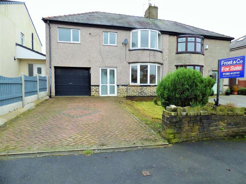 5 Bedrooms Semi Detached House for sale in Rossendale Avenue, Burnley