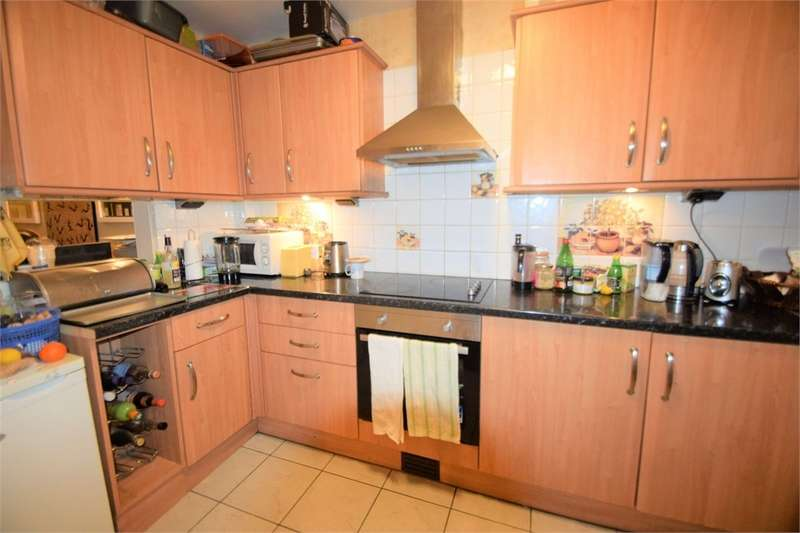 3 Bedrooms End Of Terrace House for sale in Wynton Gardens, South Norwood
