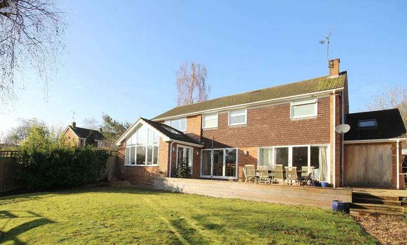 4 Bedrooms Detached House for sale in Chiltern Close, Henley-on-Thames, RG9