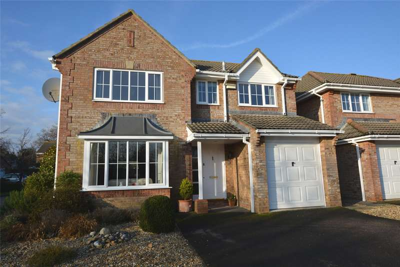 4 Bedrooms Detached House for sale in Forest Gate Gardens, Lymington, Hampshire, SO41