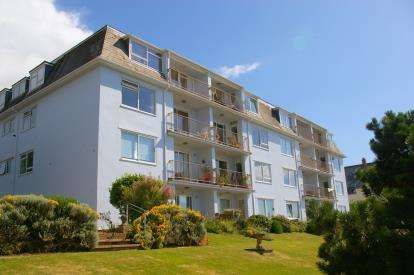 2 Bedrooms Flat for sale in 6 Coastguard Road, Budleigh Salterton, Devon