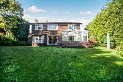 4 Bedrooms Detached House for sale in Westsyde, Darras Hall, Ponteland, Northumberland, NE20